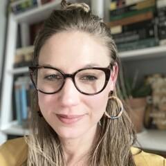 Author portrait of Jennifer Chesak