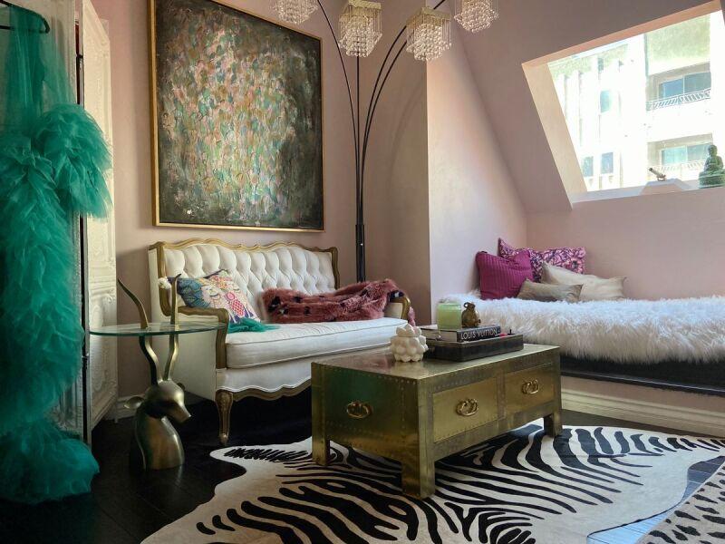 Design inspo for glam Hollywood bedroom