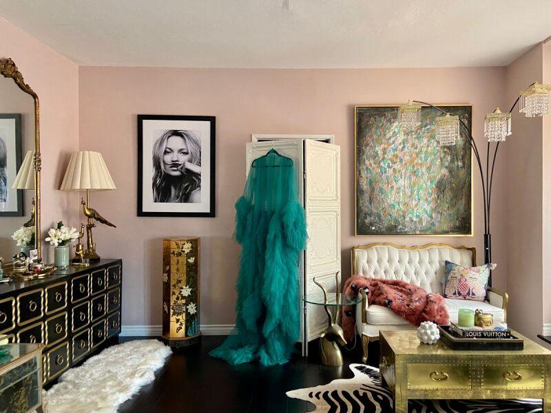 Bedroom design inspiration for Hollywood glamour.